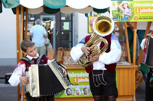 Traditional Slovene music at the Saturday Market